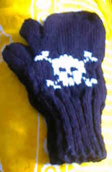 skull trigger mitt